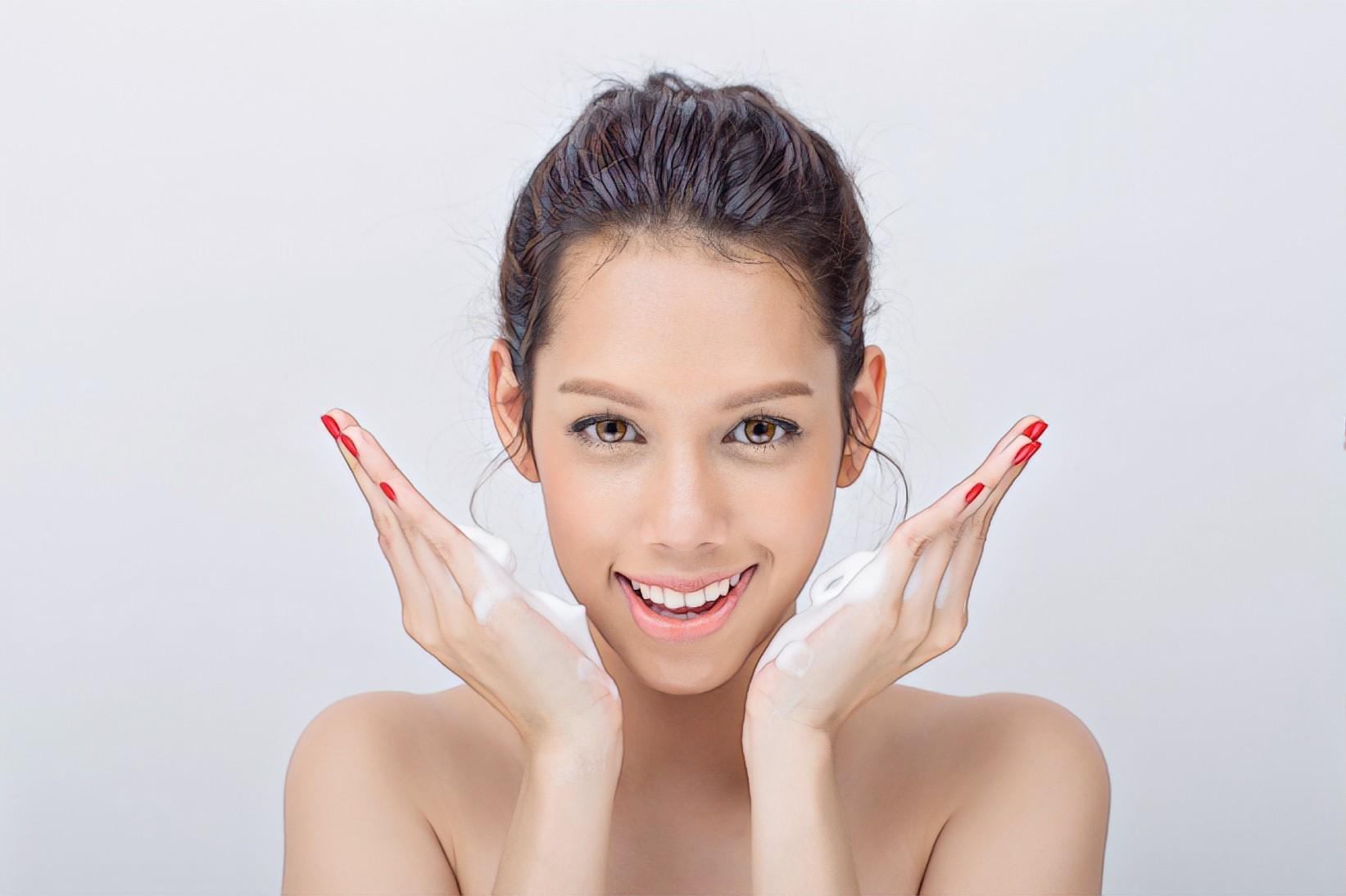 Как избавиться от акне в кабинете косметолога