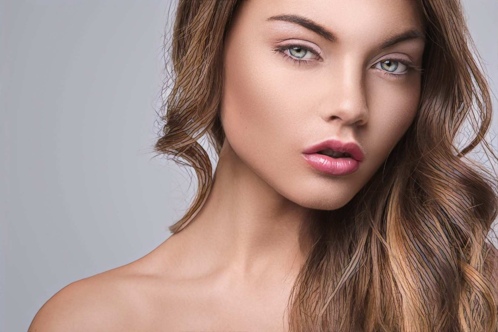 Контурная пластика губ: как поводится